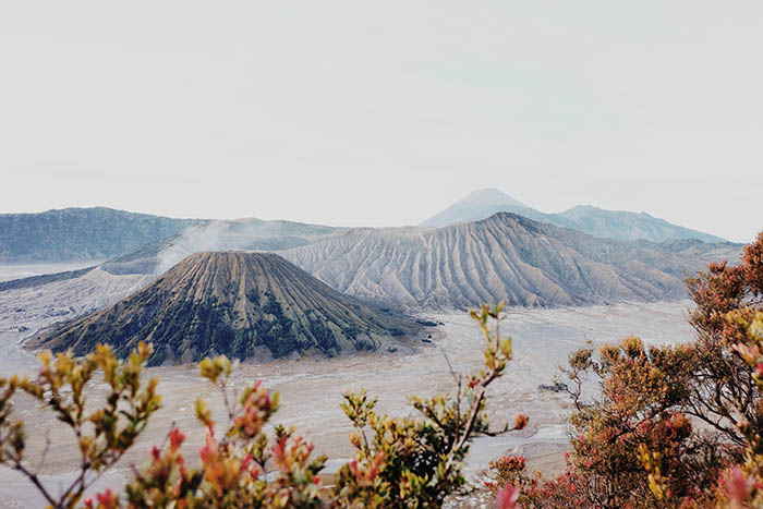 4-bromo-mountain-indonesia