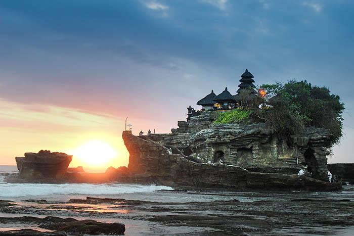 8-tanah-lot-bali-indonesia