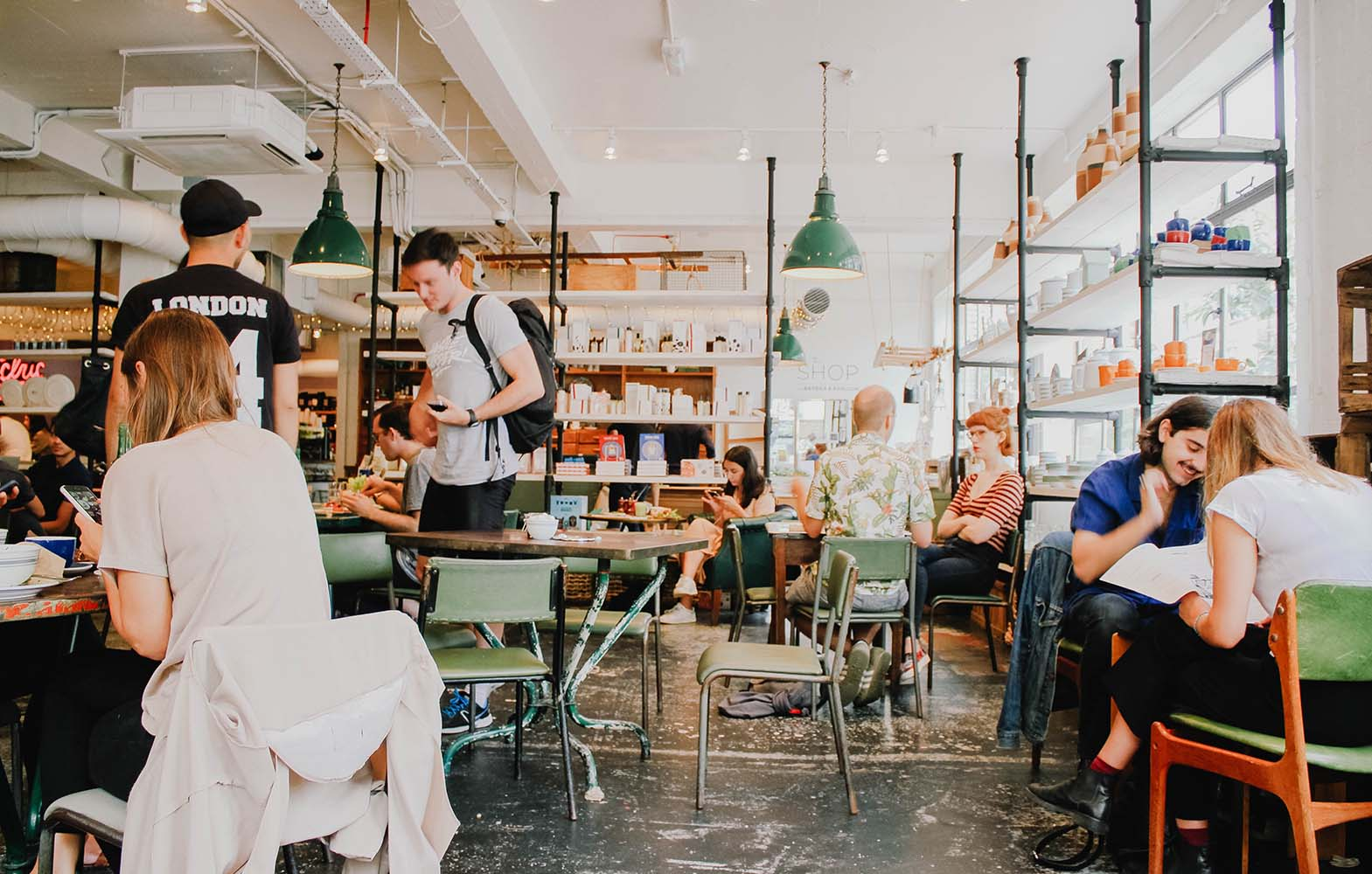 Cari Tempat Nongkrong? Ini 10 Rekomendasi Cafe Murah di Jakarta