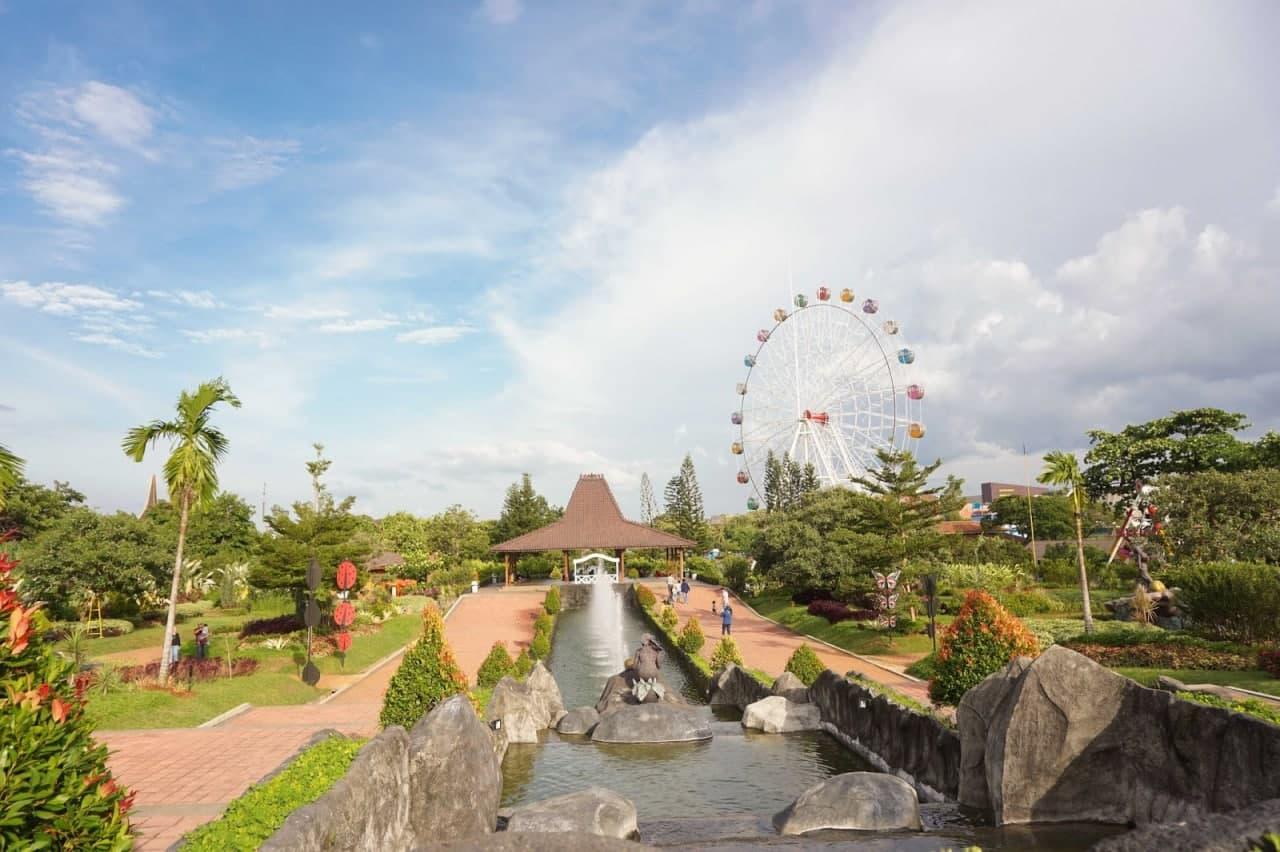 Wisata Taman Keong Mas TMII: Wahana, Lokasi & Rute